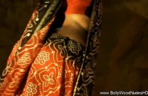 Night at the club turns wild for sexy Ash Hollywood